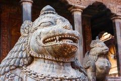 Статуи и украшения в квадрате Patan Durbar, Непале Стоковые Фотографии RF