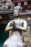 Статуи и украшения в квадрате Patan Durbar, Непале Стоковые Фото