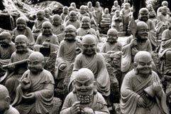 статуи многократной цепи Будды Стоковое фото RF