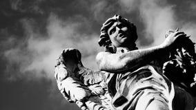 Статуи моста ` angelo castel sant стоковые фотографии rf