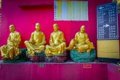 Статуи на 10 тысяч монастыре Buddhas в олове Sha, Гонконге, Китае Стоковые Изображения