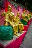 Статуи на 10 тысяч монастыре Buddhas в олове Sha, Гонконге, Китае Стоковая Фотография