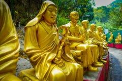 Статуи на 10 тысяч монастыре Buddhas в олове Sha, Гонконге, Китае Стоковое Изображение RF