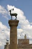 Статуи оленей форта, Родоса и Rhodian St Nicholas Стоковое Фото