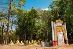 Статуи сидеть Buddhas Bago Myanma Бирма стоковое фото
