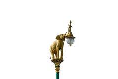 Статуи слона лампы дальше с предпосылкой стоковые изображения