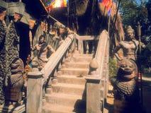 Статуи льва высекаенные от каменной лестницы Стоковая Фотография