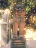 Статуи льва высекаенные от каменной лестницы Стоковое Изображение RF