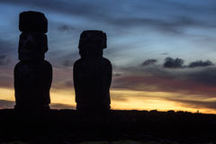 Статуи Moai в острове пасхи, Чили Стоковые Изображения