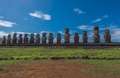 Статуи Moai на острове пасхи на Tongariki Стоковые Фотографии RF