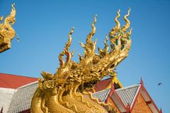 Статуи Naga в виске Wat SriPanTon на Nan, Таиланде Стоковые Фото