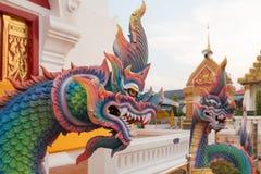 Статуи Naga в тайском виске Стоковое Изображение RF