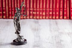 Статуэтка Themis символ закона Стоковое Изображение RF