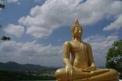 статуя ฺBuddha Wat Phraphutthachai Стоковая Фотография RF