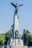 Статуя авиаторов от Бухареста стоковое изображение