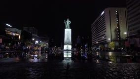 Статуя адмирала Yi Sun Sin в площади gwanghwamun видеоматериал