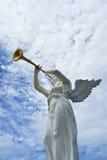 Статуя ангела и трубы Стоковые Изображения RF