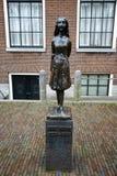 Статуя Анны Франка, Амстердама, Нидерландов Стоковая Фотография RF