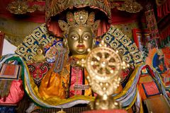 Статуя Будды в монастыре Стоковые Изображения
