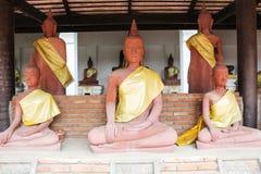 Статуя Будды в Wat Phra Mahathat Стоковая Фотография