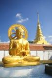 статуя Будды золотистая Стоковое Изображение