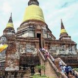 Статуя Будды и пагода Wat Yai Chaimongkol Таиланд стоковые изображения rf