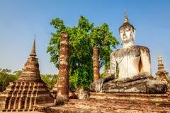 Статуя Будды на Wat Mahathat, парке Sukhothai историческом, Таиланде Стоковая Фотография