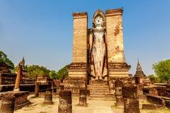 Статуя Будды на Wat Mahathat, парке Sukhothai историческом, Таиланде Стоковое Изображение RF