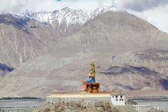 Статуя Будды около монастыря Diskit в долине Nubra, Ladakh, Индии Стоковое Фото
