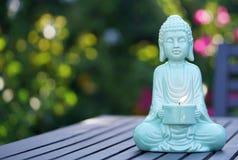 Статуя Будды Aqua голубая Стоковое Изображение