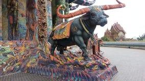 Статуя буйвола на Wat Luang Phor Koon в Дэн Khun Thot Nakhon Ratchasima Стоковое Изображение