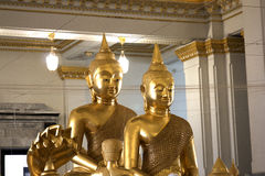 Статуя Будды внутри виска Wat Sothorn Wararam Таиланда Стоковое Изображение RF