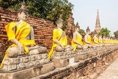 Статуя Будды в строке Стоковая Фотография