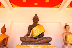 Статуя Будды в Wat Phra Mahathat Стоковые Изображения RF