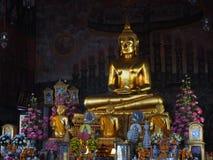 Статуя Будды золота 4 от перемещения праздника Стоковое Изображение RF