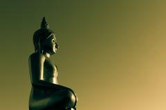 Статуя Будды золота Стоковая Фотография RF