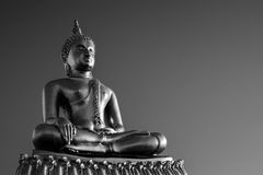 Статуя Будды золота Стоковые Изображения RF