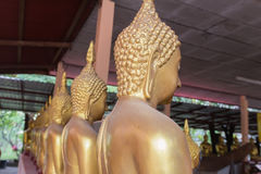 статуя Будды золотистая тайская Стоковые Изображения