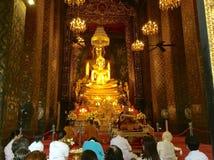 статуя Будды золотистая Стоковая Фотография