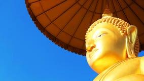 статуя Будды золотистая Стоковое Изображение RF