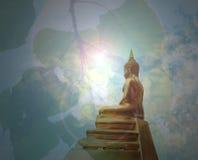 Статуя Будды и bodhi Leaf's дерево Стоковая Фотография