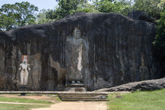 Статуя Будды 15 метров высокая принимает этап центра на Buduruwagala, около Wellawaya в центральном Шри-Ланке Стоковые Фотографии RF