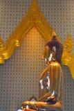 Статуя Будды на Wat Traimitr Withayaram, ориентир ориентире перемещения Стоковые Фото