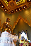 Статуя Будды на Wat Traimitr Withayaram, ориентир ориентире перемещения Стоковое Изображение