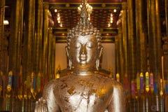 Статуя Будды стойки в Таиланде Стоковые Фото