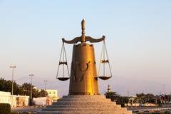 Статуя весов правосудия в Рас-Аль-Хайма Стоковое Изображение