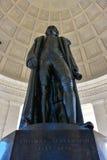 Статуя взгляда Томас Джефферсон мемориального от дна Вашингтон, США Стоковые Изображения RF