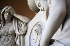 Статуя внутри старого кладбища Стоковые Изображения