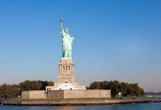 Статуя вольности и Нью-Йорк Стоковая Фотография RF