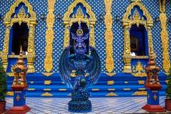 Статуя в виске сини Wat Rong Suea 10 в Таиланде Стоковые Изображения RF